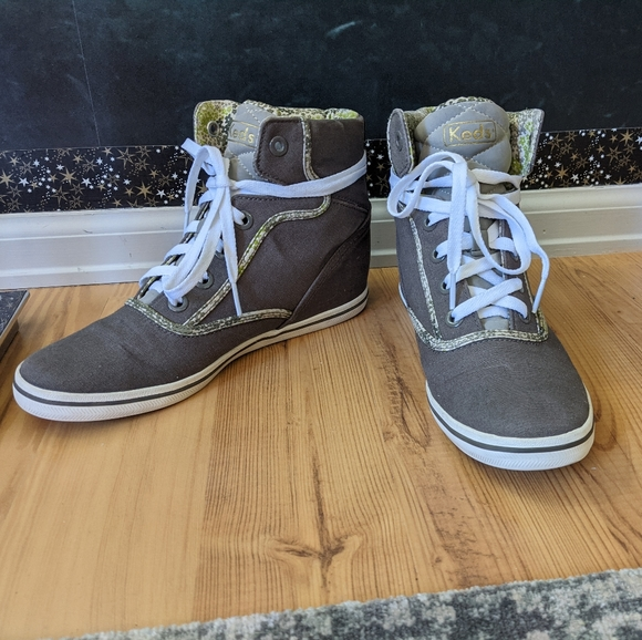 KEDS HIGH TOP SNEAKERS.  Size 8